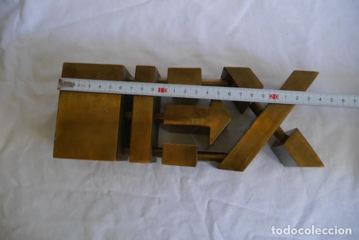 Medallas condecorativas: Premio a la Exportación Loewe 1983 en bronce, Cámara de Comercio e Industria de Madrid - Foto 9 - 278319053