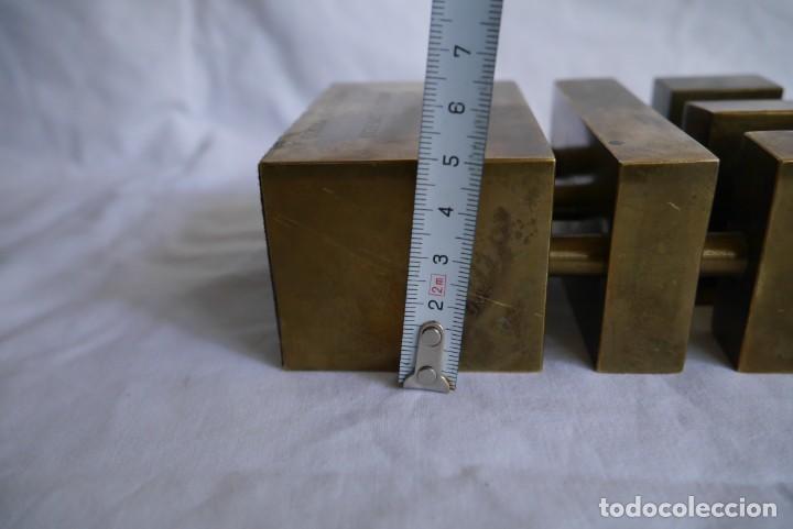 Medallas condecorativas: Premio a la Exportación Loewe 1983 en bronce, Cámara de Comercio e Industria de Madrid - Foto 11 - 278319053