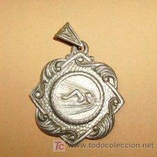 Coleccionismo deportivo: INTERESANTE MEDALLA NATACION-1959. Lote 14510135