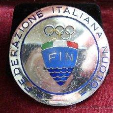 Coleccionismo deportivo: MEDALLA DEPORTIVA - NATACIÓN 1965. Lote 24186565