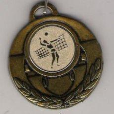 Coleccionismo deportivo: MEDALLA DE BALON VOLEA CON CINTA . Lote 23875759