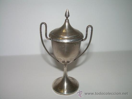 ANTIGUA Y PEQUEÑA COPA DE PLATA.....CON CONTRASTES Y PUNZON ESCUDO DE BARCELONA. (Coleccionismo Deportivo - Medallas, Monedas y Trofeos - Otros deportes)