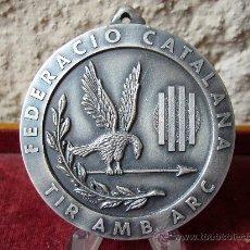 Coleccionismo deportivo: MEDALLA DE LA FEDERACIO CATALANA DE TIR AMB ARC - I CAMPIONAT DE CATALUNYA 1997. Lote 26523499