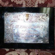 Coleccionismo deportivo: M-219 TROFEO EN PLACA DE PLATA DEL III RALLYE 1000 KM OTORGADO A 'PINGÜINO' EN LOS AÑOS 50. Lote 33537847