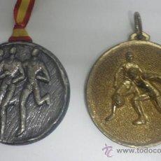 Coleccionismo deportivo: MEDALLA ATLETISMO + MEDALLA BALONCESTO. Lote 35590038