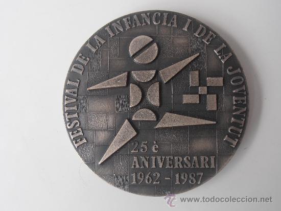 MEDALLA DEL 25 FESTIVAL DE LA INFANCIA Y LA JUVENTUD DE BARCELONA 1.987 (Coleccionismo Deportivo - Medallas, Monedas y Trofeos - Otros deportes)
