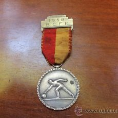 Coleccionismo deportivo: ANTIGUA MEDALLA DEPORTIVA AÑO 1958 B. C. F. B. EN EL TRANVERSO TIENE INSCRITO: PAUL KRAMER NEUCHATEL. Lote 37157431