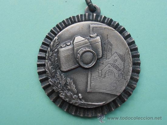 MEEDALLA DEL 1º CONCURSO FOTOGRAFICO EN COLOR DEL AÑO 1.986 (Coleccionismo Deportivo - Medallas, Monedas y Trofeos - Otros deportes)