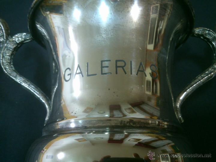 Coleccionismo deportivo: ANTIGUO TROFEO GALERIAS EN ALPACA - Foto 2 - 41252062