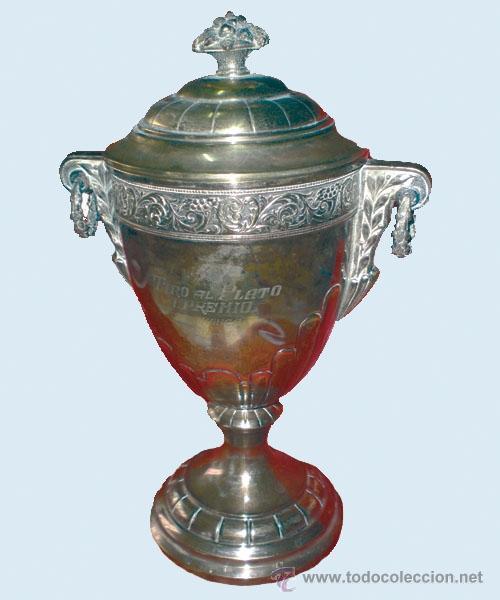 COPA DEPORTIVA PLATEADA,GRABADA -TIRO AL PLATO, I PREMIO SALAMANCA 22-IX-46- (Coleccionismo Deportivo - Medallas, Monedas y Trofeos - Otros deportes)