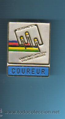 MEDALLA CON AGUJA - BICICLETA -CAMPIONATI MONDIALI CICLISMO BERGAMO 1987- COUREUR -CORREDOR (Coleccionismo Deportivo - Medallas, Monedas y Trofeos - Otros deportes)