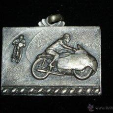 Collezionismo sportivo: MEDALLA METAL PLATEADO AÑOS 40,MOTOCICLISMO. Lote 41708847