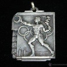 Coleccionismo deportivo: MEDALLA METAL PLATEADO AÑOS 40,ATLETISMO OLIMPICO. Lote 41708979