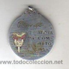 Coleccionismo deportivo: BUENA MEDALLA DE PLATA - CLUB NATACIÓN BARCELONA - ATLETA COMPLETO 1959. Lote 43646645