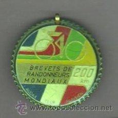 Coleccionismo deportivo: AGUJA MEDALLA -CICLISMO -BICICLETA BREVETS RANDONNEURS MONDIAUX 200 KM, AUDAX C,PARIS- FRANCIA. Lote 206330722