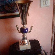 Coleccionismo deportivo: BONITO TROFEO ANTIGUO BASE MARMOL. Lote 45831713