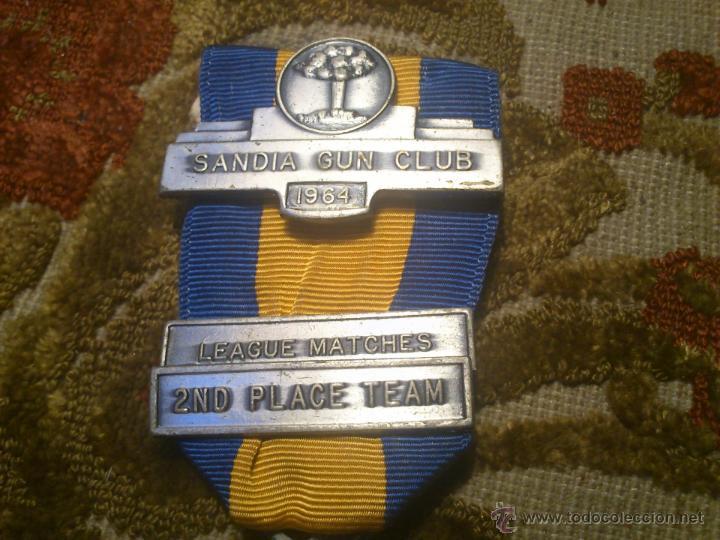 Coleccionismo deportivo: insignia, medalla pin de tiro olimpico - Foto 2 - 46411902
