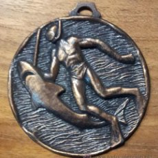 Sports collectibles - MEDALLA DE PESCA (SUBMARINISTA Y TIBURON) COLOR BRONCE - 46883218