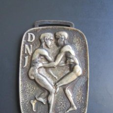Coleccionismo deportivo: MEDALLA D.N. DE JUVENTUDES. III CAMPEONATO DE ESPAÑA. TIRO CON ARCO. JUVENIL. 1967. 30 X 45 MM. Lote 48569287