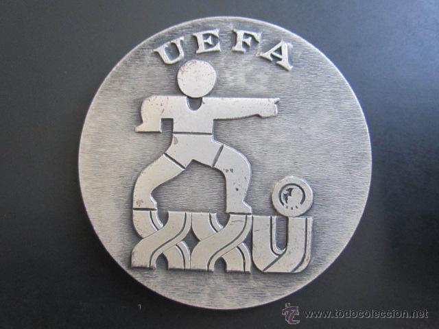 MEDALLA DE PLATA. UEFA. XXV TORNEO INTERNACIONAL DE FUTBOL JUVENIL. 1972. DIÁMETRO 50 MM (Coleccionismo Deportivo - Medallas, Monedas y Trofeos - Otros deportes)
