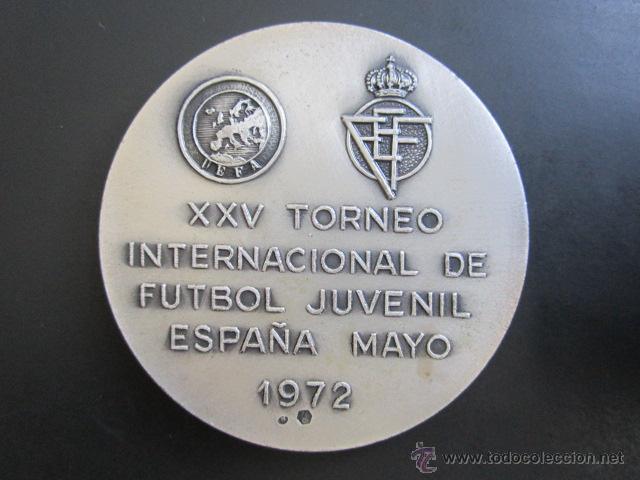 Coleccionismo deportivo: MEDALLA DE PLATA. UEFA. XXV TORNEO INTERNACIONAL DE FUTBOL JUVENIL. 1972. DIÁMETRO 50 MM - Foto 2 - 48569820
