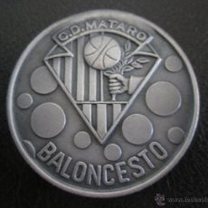 Coleccionismo deportivo: MEDALLA DEL MATARO CLUB DE FUTBOL (SECCION BALONCESTO ). Lote 50124379