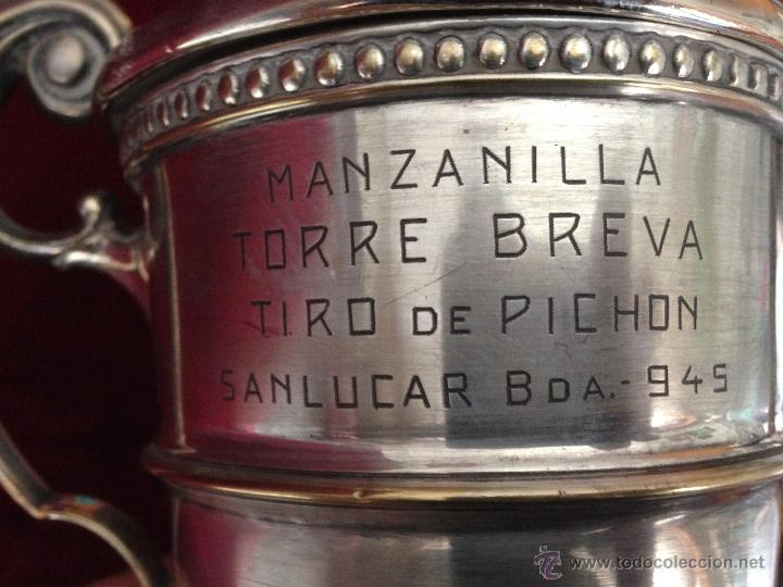 Coleccionismo deportivo: COPA - TROFEO : MANZANILLA TORRE BREVA - TIRO DE PICHON - SANLUCAR DE BARRAMEDA - 945 / 528 gr. - Foto 7 - 53007541