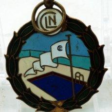 Coleccionismo deportivo: MEDALLA TROFEO FEMENINO LAGO NATACIÓN CLUB PRUEBA AGOSTO 1946. Lote 51120376