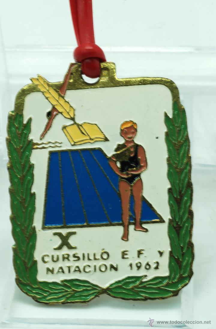MEDALLA X CURSILLO ESCOLAR EDUCACIÓN FÍSICA Y NATACIÓN 1962 (Coleccionismo Deportivo - Medallas, Monedas y Trofeos - Otros deportes)