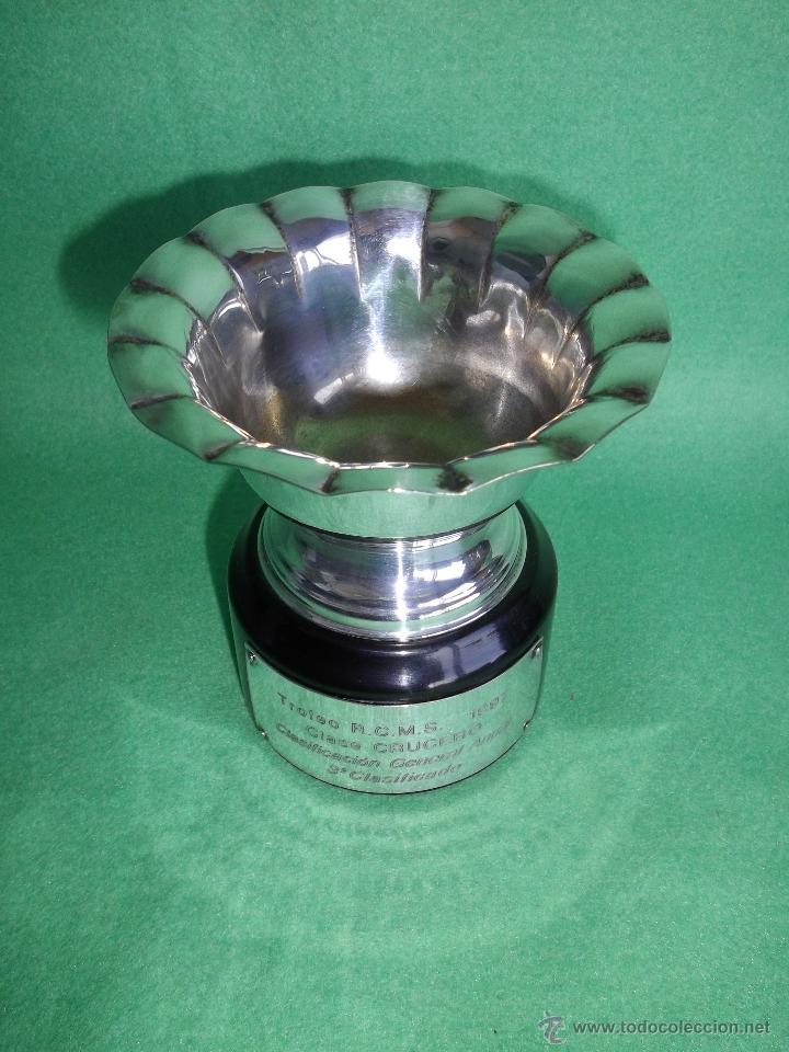 Coleccionismo deportivo: Bonita copa trofeo alpaca gallonado base madera RCMS 1997 regata crucero velero barco Santander - Foto 3 - 51525895
