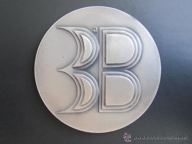 MEDALLA PLATA. III BIENAL INTERNACIONAL DEL DEPORTE EN LAS BELLAS ARTES. BARCELONA,1971. VALLMITJANA (Coleccionismo Deportivo - Medallas, Monedas y Trofeos - Otros deportes)