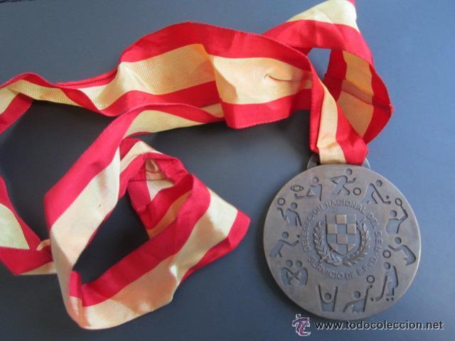 MEDALLA DELEGACIÓN NACIONAL DEL SEU. JUN. DEPORTE, EDUCACIÓN FÍSICA (Coleccionismo Deportivo - Medallas, Monedas y Trofeos - Otros deportes)