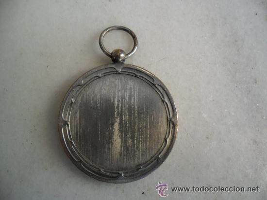 Coleccionismo deportivo: BONITA MEDALLA EN METAL PLATEADO DE PIN - PON - Foto 3 - 51934331