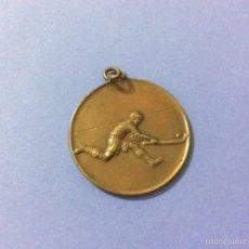 Coleccionismo deportivo: MEDALLA COPA JUNIOR HOCKEY 1931-1932. Lote 52615993