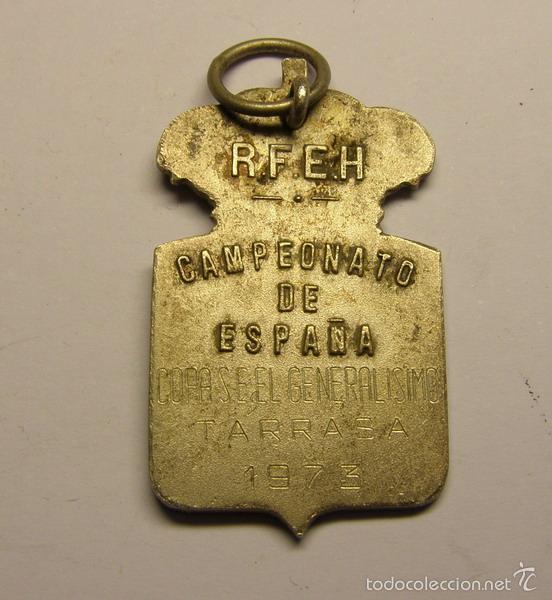 Coleccionismo deportivo: Medalla Real Federación Española de Hockey, copa del Generalísimo Franco, año 1973. Terrassa. - Foto 2 - 55867768