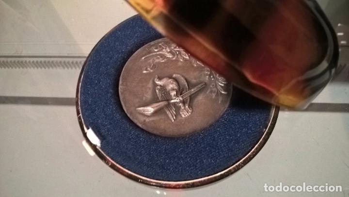 TIRO PICHÓN. MEDALLA DE PLATA EN ESTUCHE. VALENCIA 1966 (Coleccionismo Deportivo - Medallas, Monedas y Trofeos - Otros deportes)