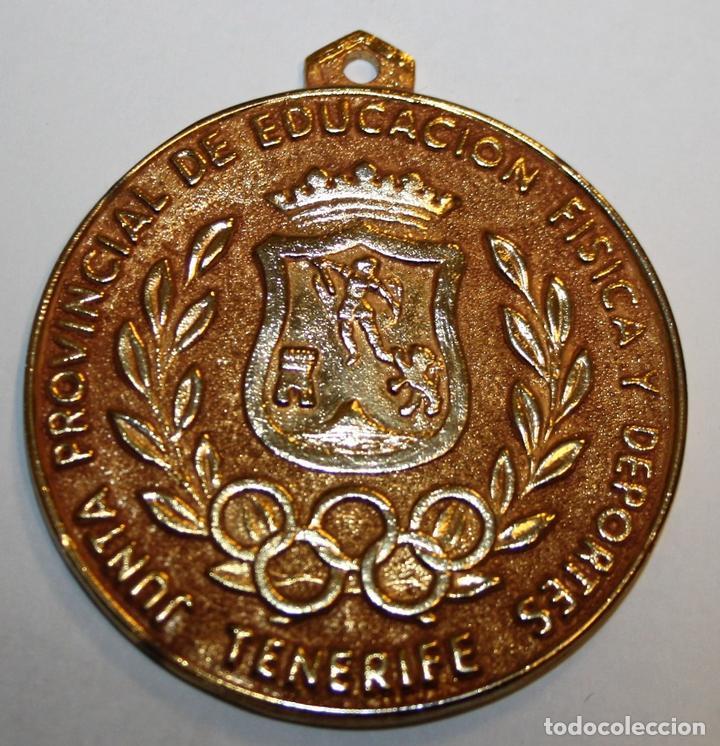 MEDALLA. JUNTA PROVINCIAL DE EDUCACIÓN FÍSICA Y DEPORTES. TENERIFE. 1972 (Coleccionismo Deportivo - Medallas, Monedas y Trofeos - Otros deportes)