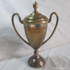 Coleccionismo deportivo: COPA TROFEO SAN CRISTOBAL 1957 LATÓN BAÑADO. Lote 81697364