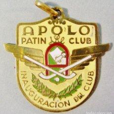 Coleccionismo deportivo: APOLO PATIN CLUB. BARCELONA. MEDALLA INAUGURACIÓN DEL CLUB. 15/9/1951. BUEN ESTADO. . Lote 82010624