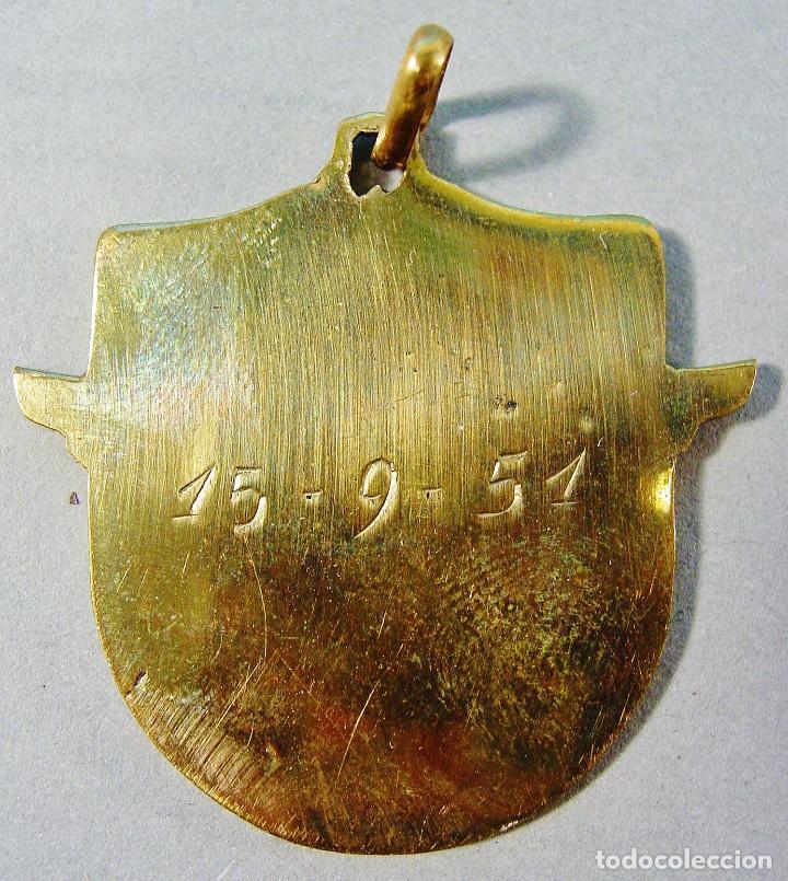 Coleccionismo deportivo: APOLO PATIN CLUB. BARCELONA. MEDALLA INAUGURACIÓN DEL CLUB. 15/9/1951. BUEN ESTADO. - Foto 2 - 82010624