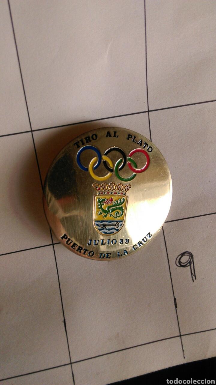 PLACA PIN INSIGNIA TROFEO TIRO AL PLATO PUERTO DE LA CRUZ JULIO 89 (Coleccionismo Deportivo - Medallas, Monedas y Trofeos - Otros deportes)