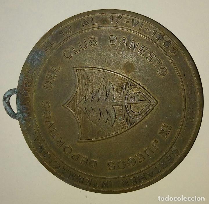 MEDALLON DE BRONCE CLUB BANESTO 1965 IV JUEGOS DEPORTIVOS, (Coleccionismo Deportivo - Medallas, Monedas y Trofeos - Otros deportes)