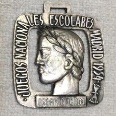 Coleccionismo deportivo: MEDALLA - JUEGOS NACIONALES ESCOLARES - MADRID 1954 - EMBLEMA DE FALANGE - ORGANIZACIÓN. Lote 87688312