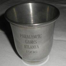 Coleccionismo deportivo: VASO DE PEWTER OLIMPIADAS PARALIMPICAS ATLANTA 96 CON SU CAJA ORIGINAL. Lote 96327031