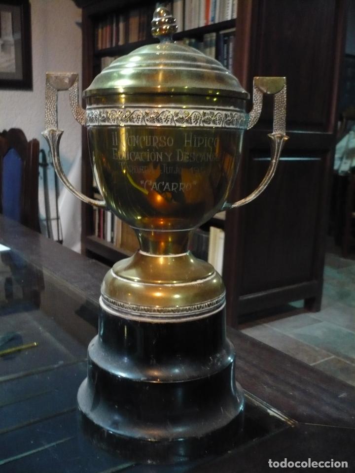 Coleccionismo deportivo: Copa trofeo Hípico de educación y descanso, 1950, 36 cm de altura - Foto 2 - 97421671