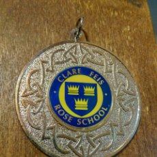 Coleccionismo deportivo: ANTIGUA MEDALLA CLARE FEIS ROSE SCHOOL. Lote 98866859