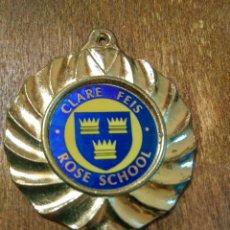 Coleccionismo deportivo: ANTIGUA MEDALLA CLARE FEIS ROSE SCHOOL. Lote 98867002