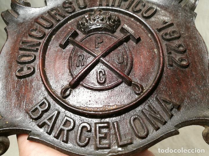 Coleccionismo deportivo: METOPA TALLA EN MADERA CAOBA ORIGINAL DEL REAL POLO JOCKEY CLUB DE BARCELONA. CONCURSO HIPICO 1922 - Foto 3 - 101400031
