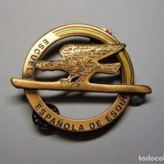 Collezionismo sportivo: INSIGNIA DE LA ESCUELA ESPAÑOLA DE ESQUÍ, AÑOS 70-80. CATEGORÍA BRONCE.. Lote 103323475
