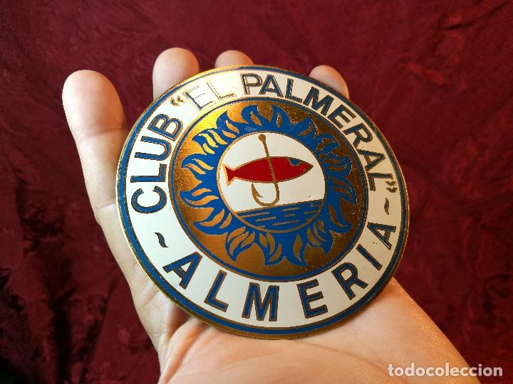 PLACA BRONCE GRABADO Y ESMALTADO CLUB PESCA EL PALMERAL--ALMERIA--AÑOS 70 (Coleccionismo Deportivo - Medallas, Monedas y Trofeos - Otros deportes)